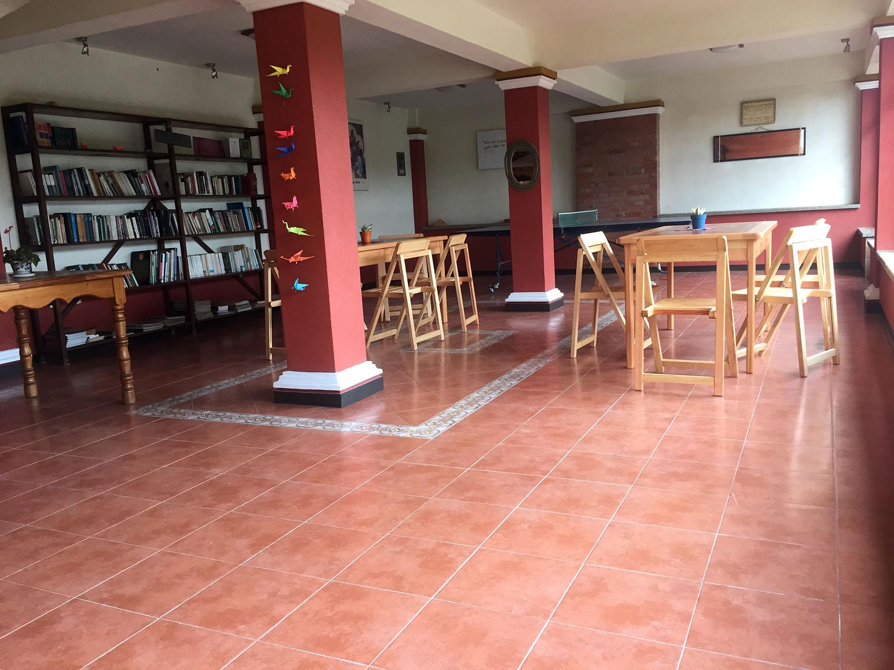 Biblioteca / Sala de encuentro / Juegos